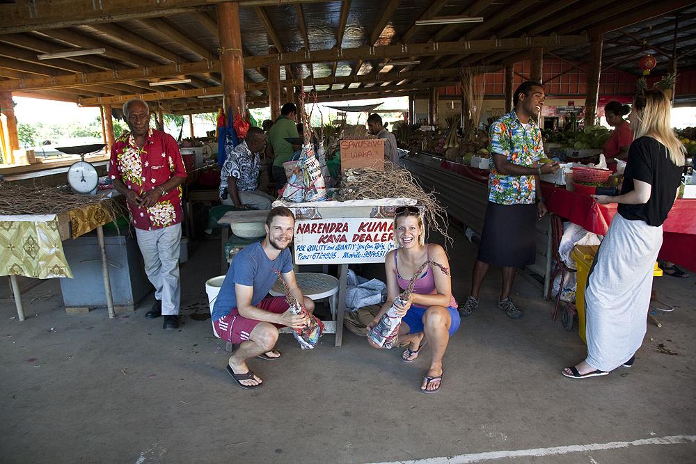 Kava am Markt in Fiji